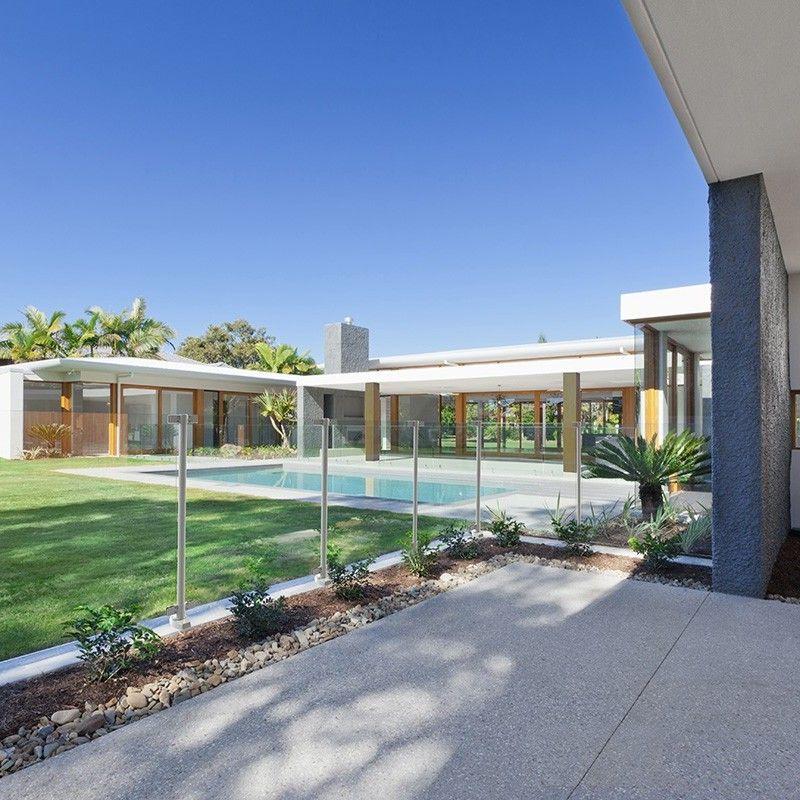 barriere piscine verre fabricant fran ais barrri re. Black Bedroom Furniture Sets. Home Design Ideas