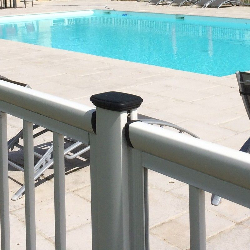 Cl ture piscine une cl ture de piscine en profils for Cloture aluminium pour piscine
