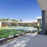 Barriere piscine maison moderne