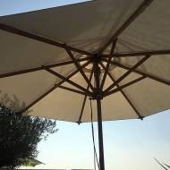 Parasol bois centré