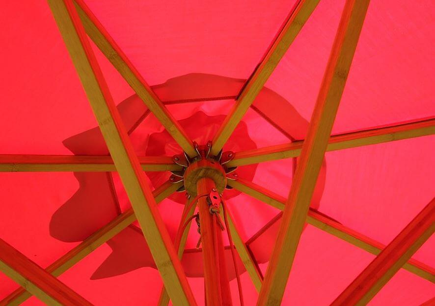 Baleine et noix en bambou parasol centré