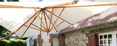 Superbe parasol en structure bambou
